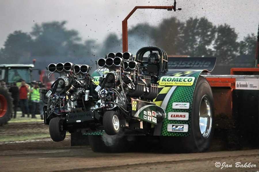 Komeco Flevoland is sponsor tractor pulling